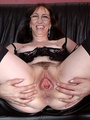 ridiculous sexy mature pussi