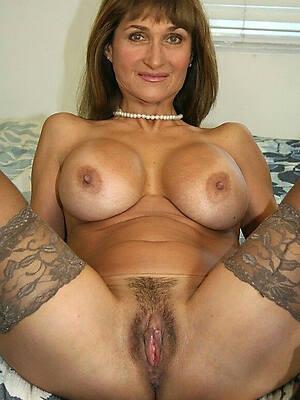 gorgeous mature mom flick