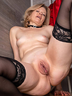 sexy mature pussy oral cavity photo