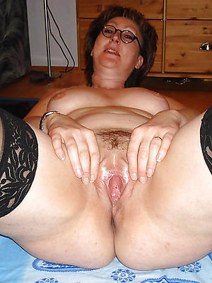 fantastic mature housewives denuded