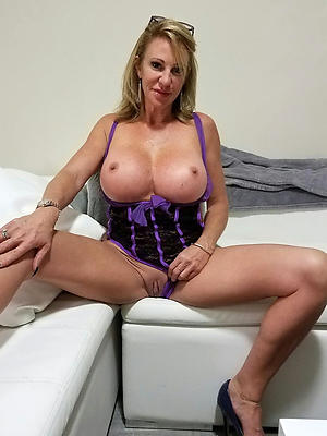 porn pics of sexy adult housewives
