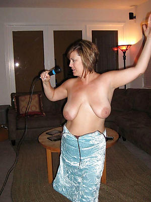 mature housewives pictures