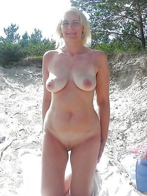 hotties natural mature women