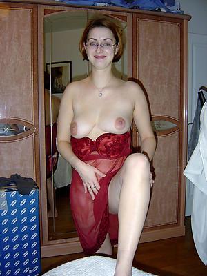 mature unskilled milf posing nude