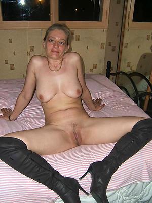 horny moms mature