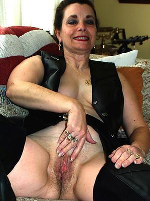 free pics of mature brunette woman