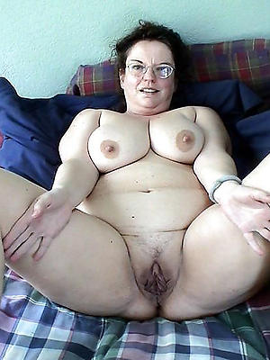 naughty mature cunts pictures