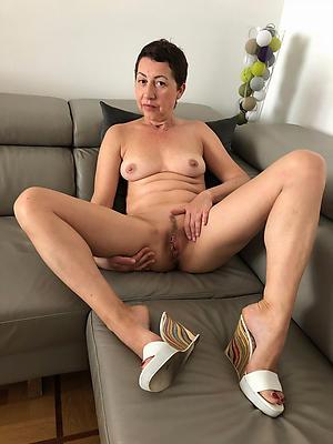 nasty mature women legs