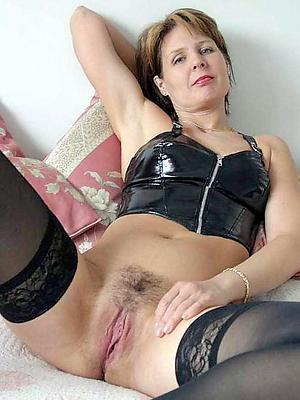 slutty nude mature woman