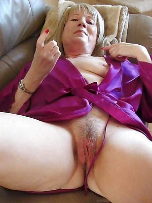 curvy mature sluts undress