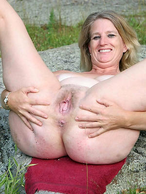 free pics of mature slut mom