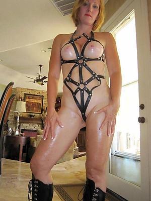 erotic mature posing nude