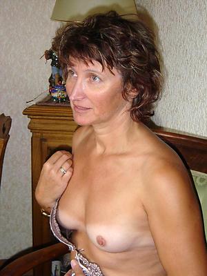 bonny unmixed mature moms pics