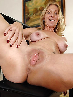 first-class mature shaved vagina
