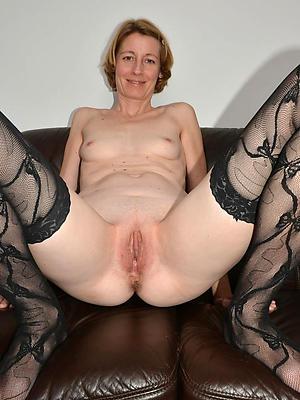 beautiful mature shaved vagina