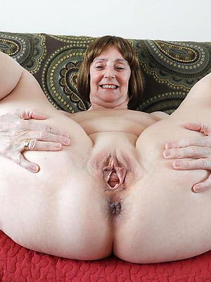 amateur mature shaved vagina