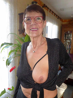 slutty mature housewife pussy pics