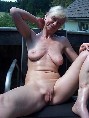 hotties mature shaved vagina pics