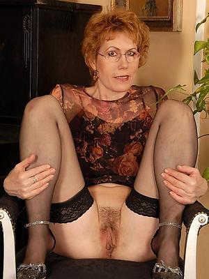 hotties mature stockings pics