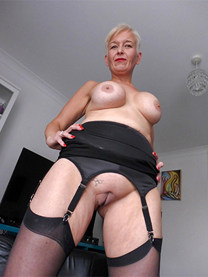 naked classic mature porn pictures