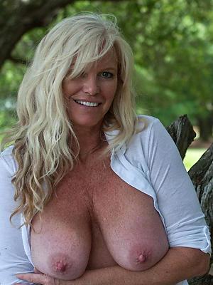 sexy mature blonde porn photos