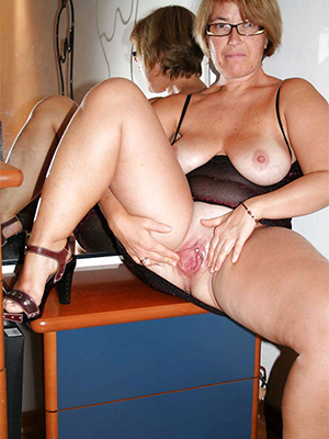 mature pussy xxx denuded