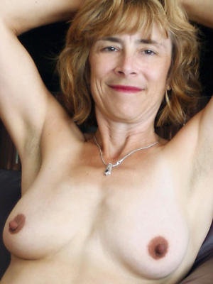 porn pics ofnaked mature models