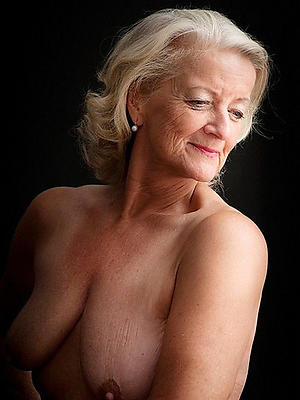 free pics of naked mature models