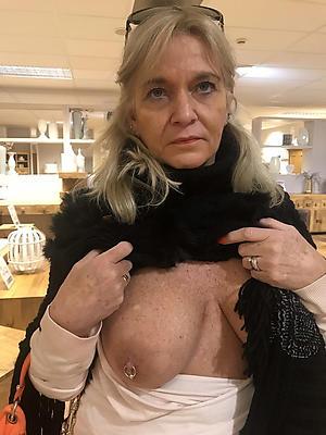 beautiful free mature tits nude pics