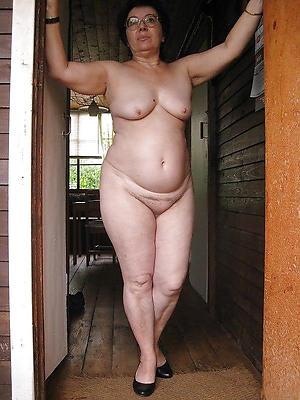 hotties mature housewives nude homemade