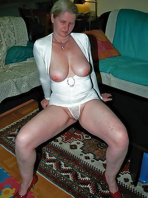 porn pics of nude mature white column
