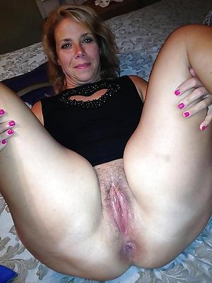 chubby mature latina nude