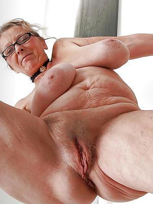 wonderful mature settle up pussy lips