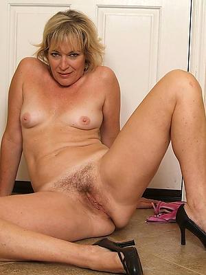 elegant single matures porn pics