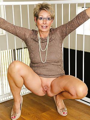 crazy real mature singles nude photos