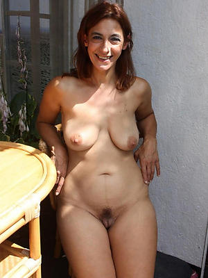 comely single mature ladies
