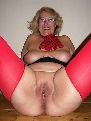 unclad single mature ladies love porn