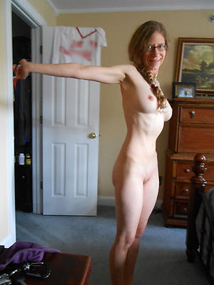 skinny mature saggy tits stripped