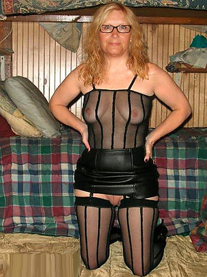 mature women in stockings posing nude