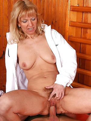 crazy horny mature moms porn pics