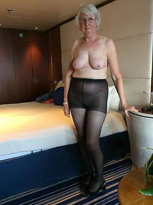 gorgeous mature women pantyhose