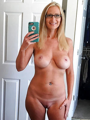 xxx grown-up selfshots pic