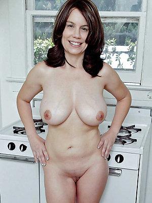 slutty mature brunette porn pics