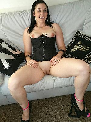 nude mature brunette posing nude