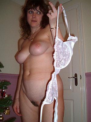 whorish naked matured brunettes pics