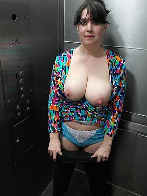 naked mature brunette love porn