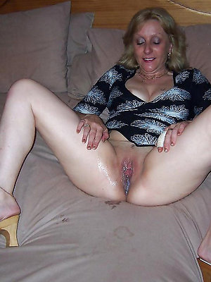 mature creampie pussy posing unfold