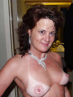 beautiful mature cumshot porn pictures