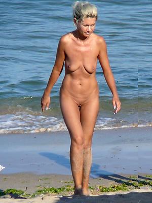 naught mature nude seaside women porn pics
