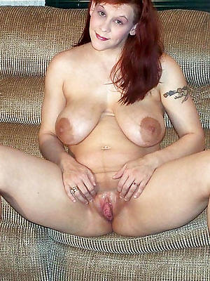 sexy mature vulva stripped